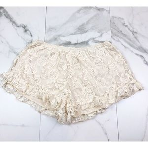 Audrey 3+1• Off White Lace Shorts